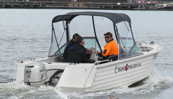 speed boat hire melbourne